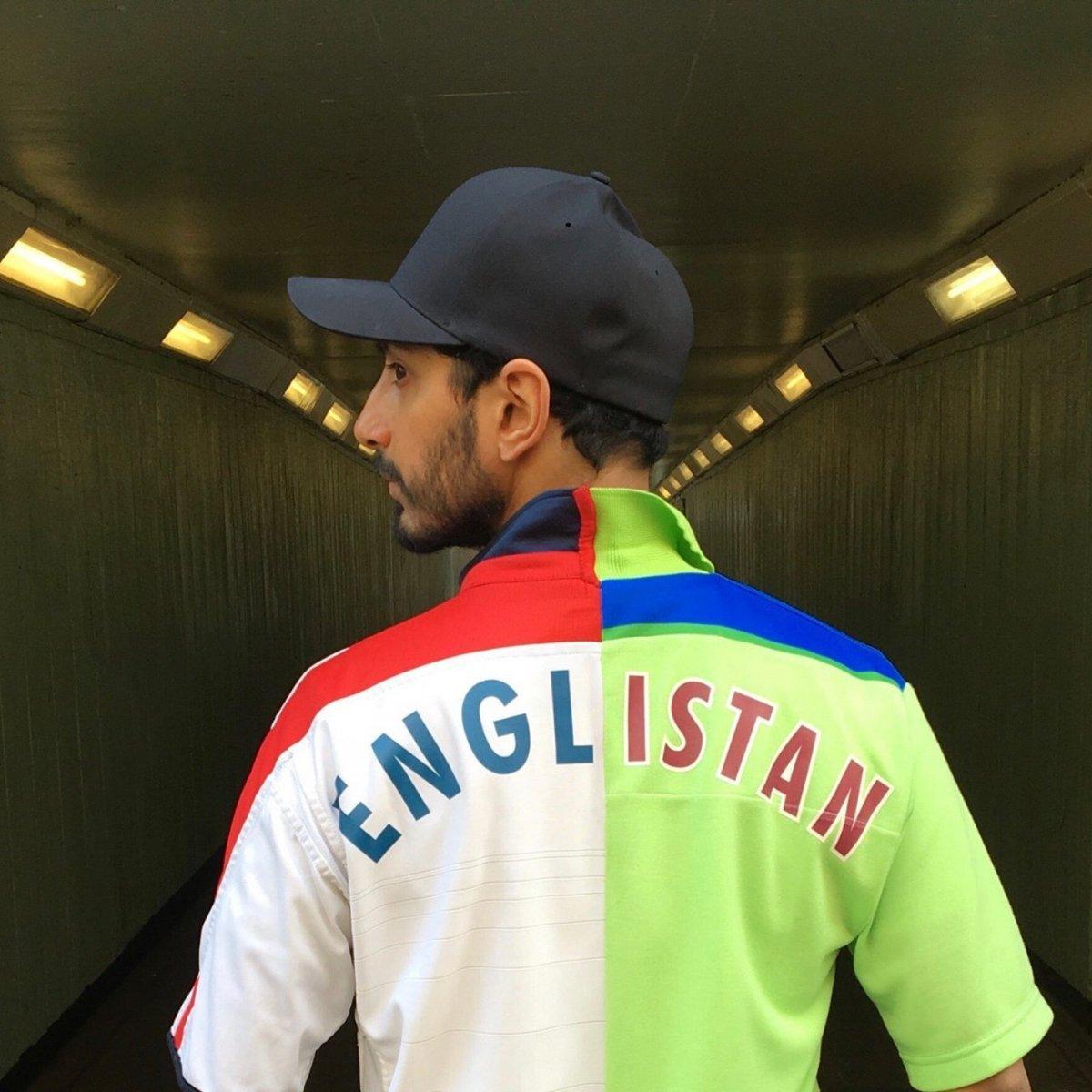 English Pakistani: The true spirit of cricket supporter Cricket,Pakistan,England,T20I,supporter,uniform,T-Shirt